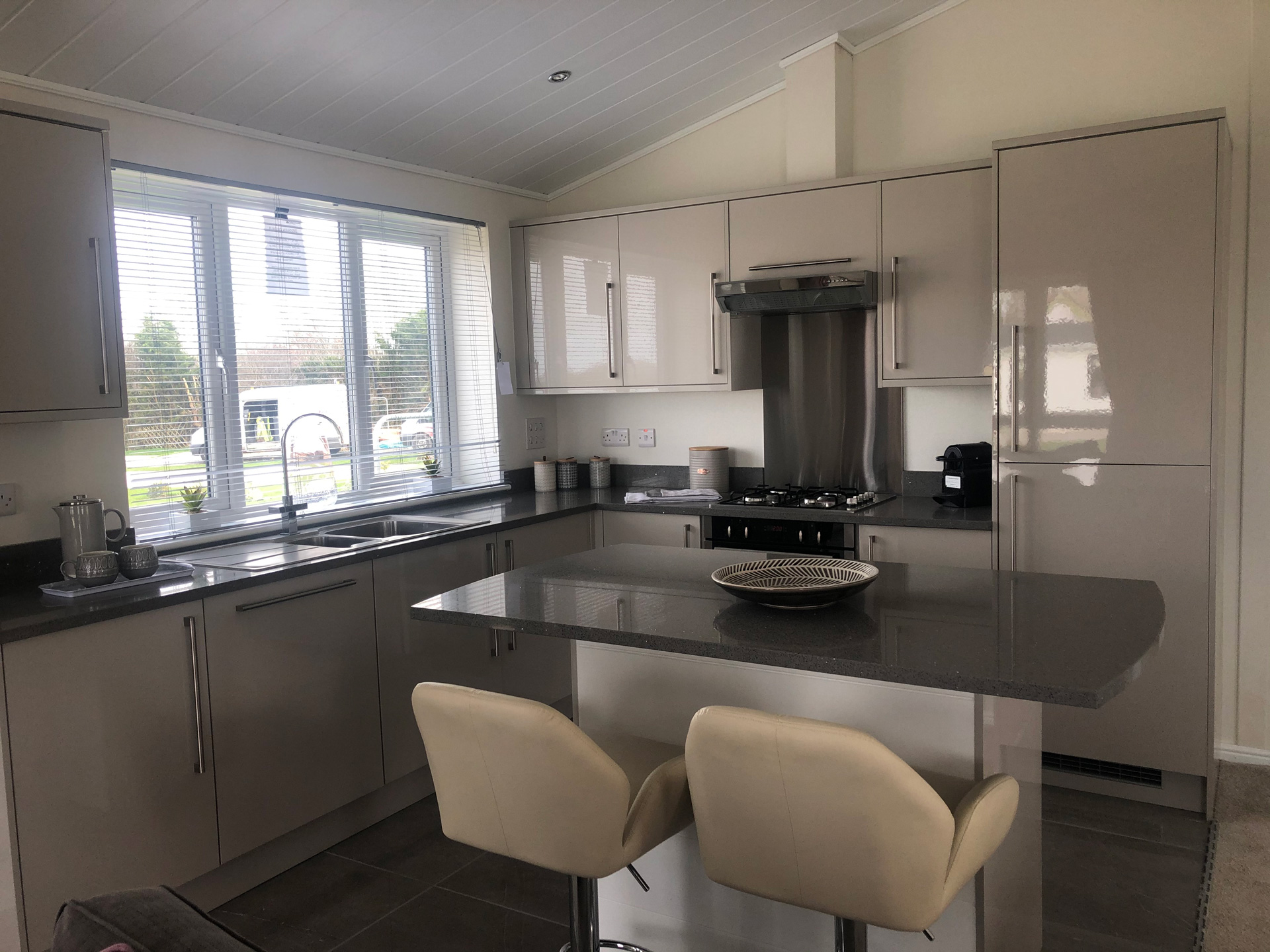 Prestige Buckland Kitchen 2