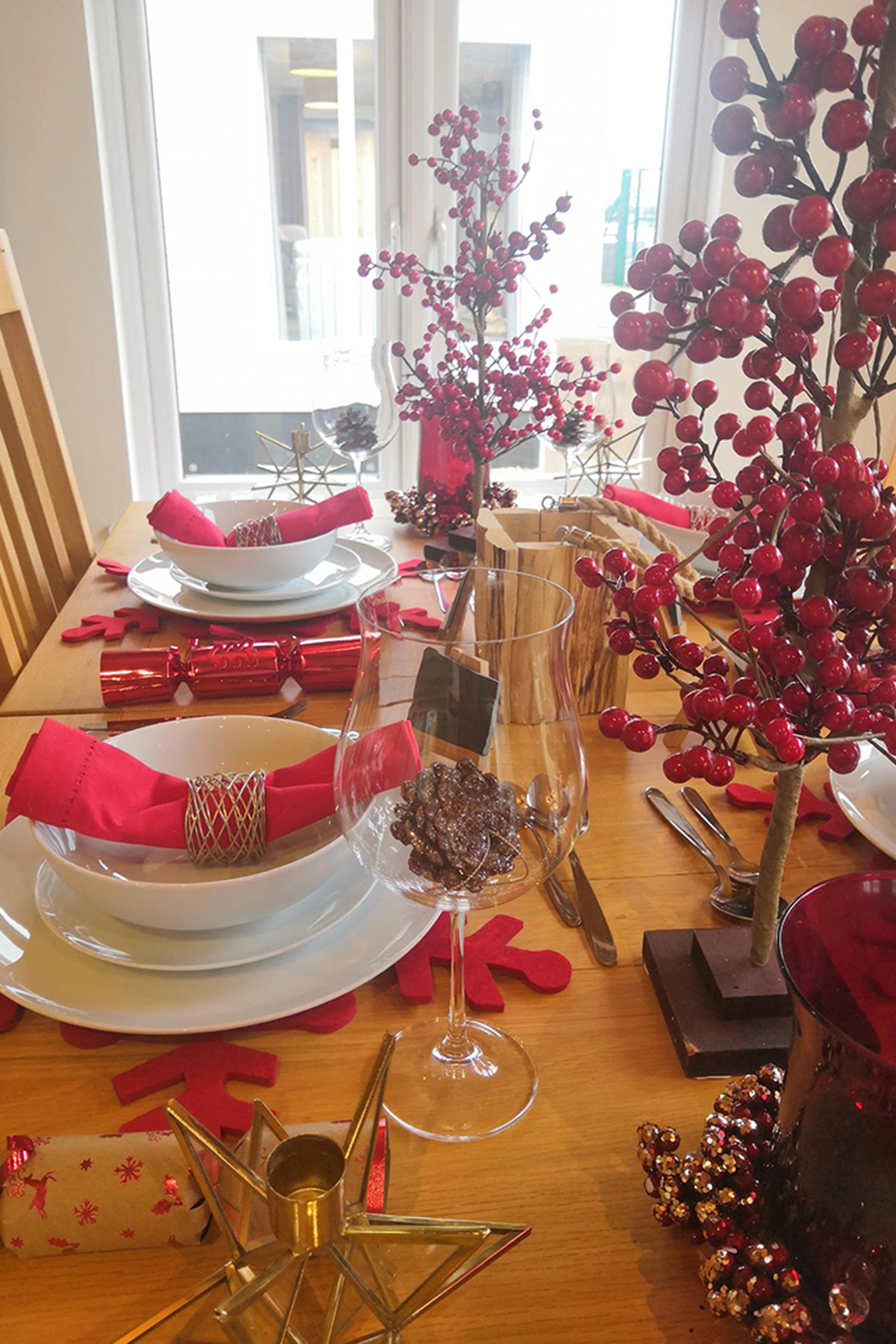 Prestige Homeseeker Forrester Lodge Christmas Table
