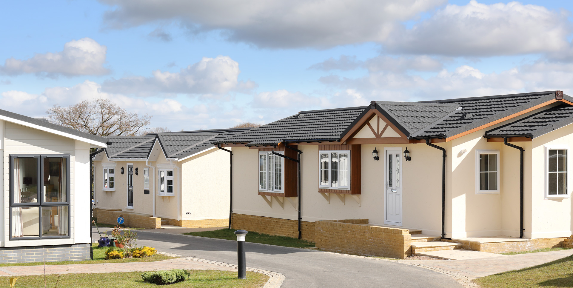 Kingsdown Meadow Residential Park Exterior Homes